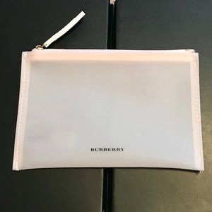 BURBERRY COSMETIC BAG - NEW